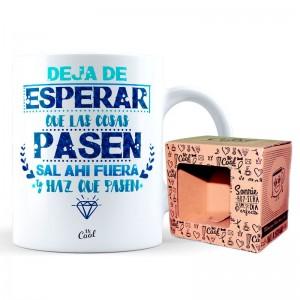 Deja De Esperar Que Las Cosas Pasen mug