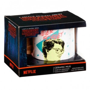 Stranger Things Never Forget mug
